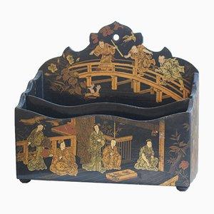 Antiker schwarz lackierter chinesischer Briefkasten