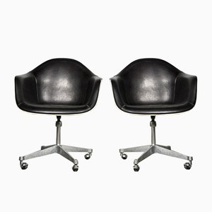 Vintage Lounge Chairs by Charles & Ray Eames for Herman Miller, Set of 2
