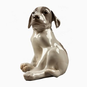 Figura de perro modelo 1452/259 de porcelana de Erik Nielsen para Royal Copenhagen, 1952