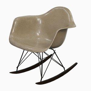 Sedia a dondolo di Charles & Ray Eames per Zenith Plastics, 1957