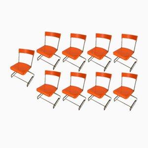 Stapelbare orangefarbene Vintage Esszimmerstühle aus Metall, 1970er, 9er Set
