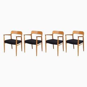 Mid-Century Esszimmerstühle aus Eiche von Niels Otto Møller für J.L. Møllers, 4er Set