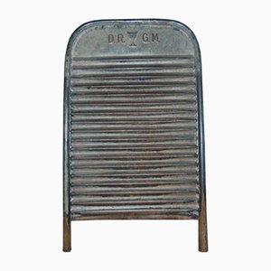 Tabla de lavar de hierro de D.R.G.M., años 30