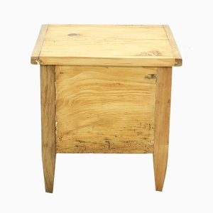 Baule antico in legno di abete, faggio e quercia
