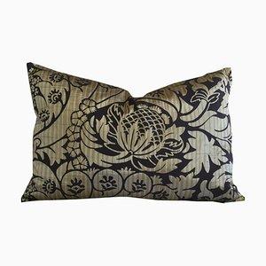 Kissen aus Seide mit Blumenmuster von Katrin Herden für Sohil Design