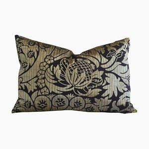 Coussin Floral en Soie Jacquard par Katrin Herden pour Sohil Design