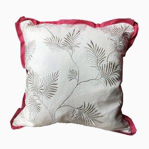Kissen mit gesticktem Bumenmuster von Katrin Herden für Sohil Design