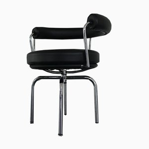 Sedia da scrivania LCX - LC7 in metallo cromato e pelle di Le Corbusier per Cassina, inizio XXI secolo