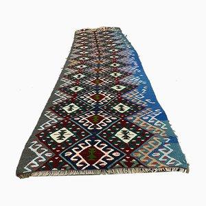 Alfombra de pasillo Kilim turca, años 60