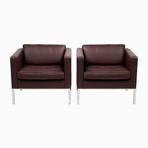 Mid-Century Maroon Leather Model 905 Lounge Chairs by Artifort, Set of 2