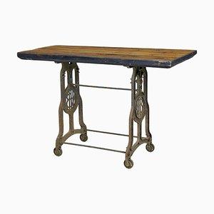 Antiker industrieller Werktisch aus Gusseisen mit Kiefernholzplatte
