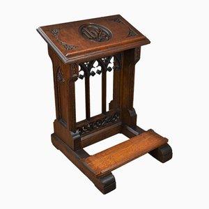 Atril de oración de la iglesia antigua de roble con cojín para la rodilla