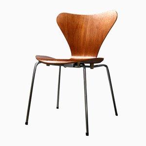 Silla auxiliar 3107 de teca de Arne Jacobsen para Fritz Hansen, años 60
