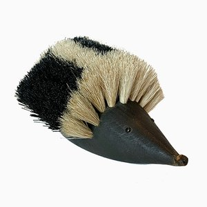 Scultura Hedgehog Clothes Brush di Johannesen, anni '60