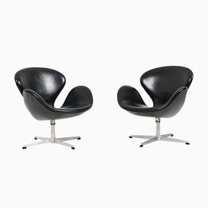 Mid-Century Swan Chairs by Arne Jacobsen for Fritz Hansen, Set of 2