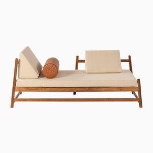 Pita Outdoor Tagesbett mit cremefarbenem Denim-Bezug von Caterina Moretti & Alejandra Carmona