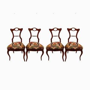 Mesa de centro Biedermeier antigua de cerezo y sillas auxiliares. Juego de 4