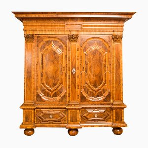 Antique Baroque Walnut Veneer and Oak Cabinet, 1730s