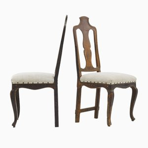 Sillas auxiliares italianas de nogal, siglo XVIII. Juego de 2