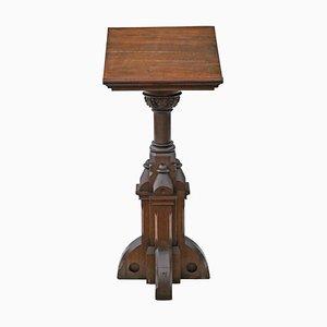 Pedestal gótico antiguo de roble tallado