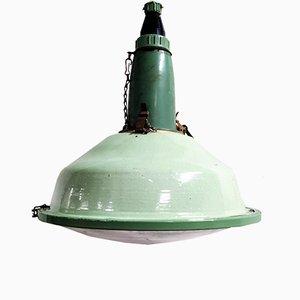 Lámpara colgante industrial vintage de vidrio y esmalte verde, años 60