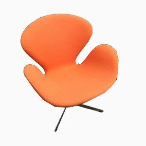 Mid-Century Swan Armchair by Arne Jacobsen for Fritz Hansen
