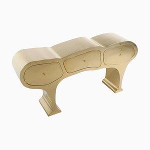Mueble esculpido de latón de Werner Neumann
