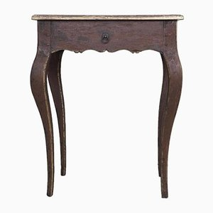 Mesa auxiliar estilo barroco antigua