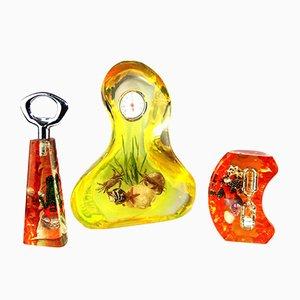 Juego de termómetro, abrebotellas y reloj de arena de acrílico, años 50