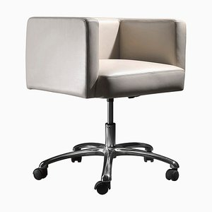 Drehbarer Bürostuhl mit Bezug aus Leder & Rollen von Jacobo Ventura für CA Spanish Handicraft