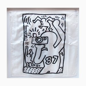Keith HARING (after) - Focus on Aids, 1987, Print on silk hankerchief
