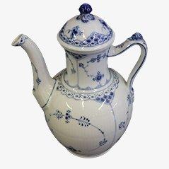 Cafetera en azul de porcelana de encaje acanalada de Arnold Krog para Royal Copenhagen