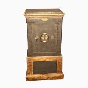 Antiker französischer Schrank aus Stahl & Holz