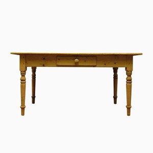 Mesa de comedor antigua de pino