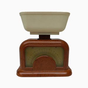 Vintage Bakelite and Celluloid Kitchen Scales from Dr. Oetker, années 30