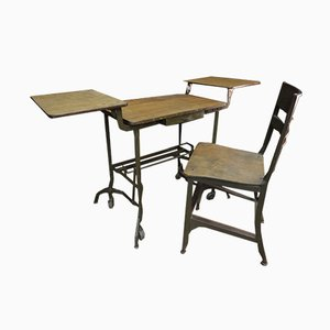 Juego de mesa auxiliar y silla pequeña de metal de TOLEDO, años 40
