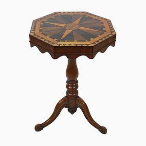 Antiker geometrischer Beistelltisch mit Intarsien