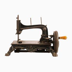 Máquina de coser italiana antigua