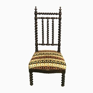 Antiker Beistellstuhl aus Holz