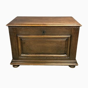 Mueble antiguo de roble
