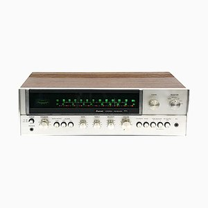 Stereo AM/FM nr. 771 in noce e amplificatoredi Sansui Electric Co., Giappone, 1973