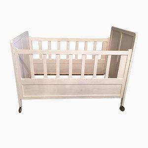 Antikes Kinderbett
