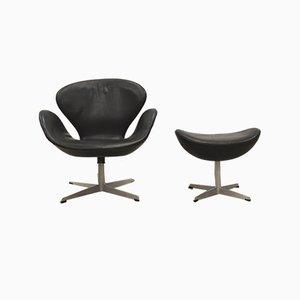 Swan Chair & Fußhocker von Arne Jacobsen für Fritz Hansen, 1950er