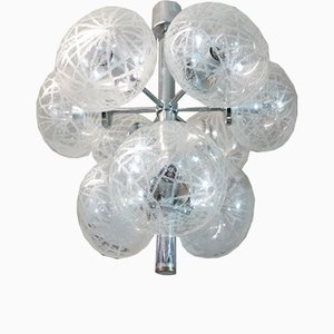 Lámpara de araña Sputnik alemana era espacial de vidrio grabado y cromo, años 60