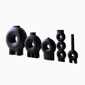 Jarrón de cerámica esculpida de Victoria Yakusha