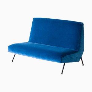 Sofá de dos plazas italiano Mid-Century de terciopelo azul, años 50