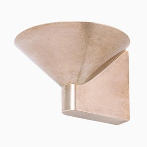 Skulpturale Wandlampe aus Bronze von Henry Wilson