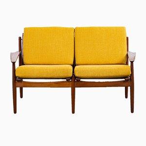 Sofá danés de teca y tela amarilla de Arne Vodder para Glostrup, años 60