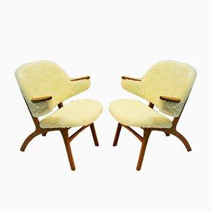 Mid-Century Stühle mit weißem Schafsfellbezug von Solliden møbler, 1950er, 2er Set
