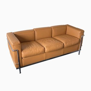 Sofá de tres plazas modelo LC2 de Le Corbusier para Cassina, años 90